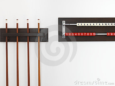 Billiard cue and rack with numbers