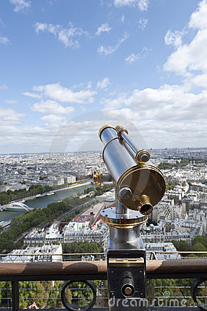 Free Binoculars Overlooking Panorama Of Paris Royalty Free Stock Image - 21164666