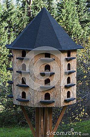 Bird house hotel