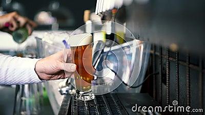 Birra alla birra alla birra in polvere archivi video