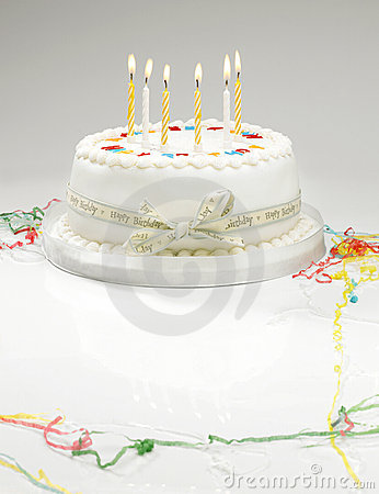 Free Birthday Cake Royalty Free Stock Photography - 11543577