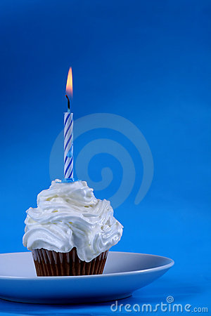 Free Birthday Cupcake Royalty Free Stock Photography - 1679667