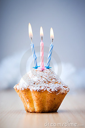 Free Birthday Cupcake Stock Image - 5526491
