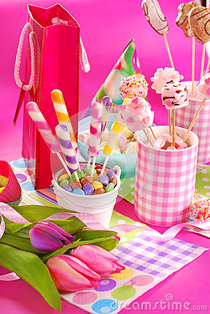 Free Birthday Party Table With Flowers And Sweets For Kids Royalty Free Stock Photography - 38175807