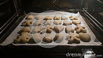 Biscoitos do Natal no forno filme