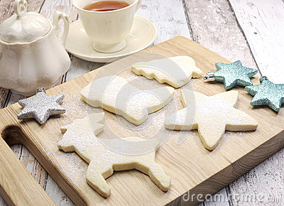 Biscuits sabl s de no l fait maison bord images stock for Antenne fait maison