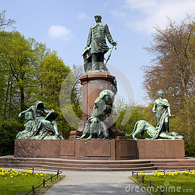 Free Bismark Memorial In Berlin S Tiergarten Royalty Free Stock Photo - 25380215