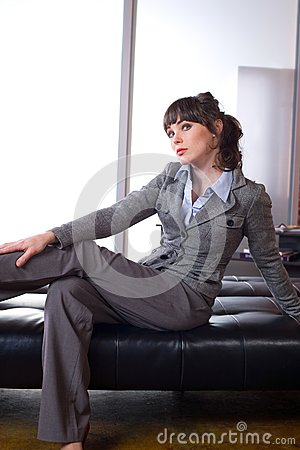 Biznesowa myśląca kobieta
