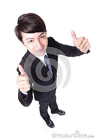 Biznesowego mężczyzna przedstawienia kciuk up w pełnej długości