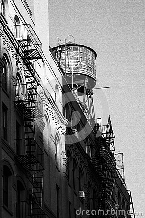 Free Black And White Photo Of Old Water Tower Stock Photo - 48545720