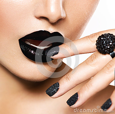 Free Black Caviar Manicure And Black Lips Royalty Free Stock Images - 31892929