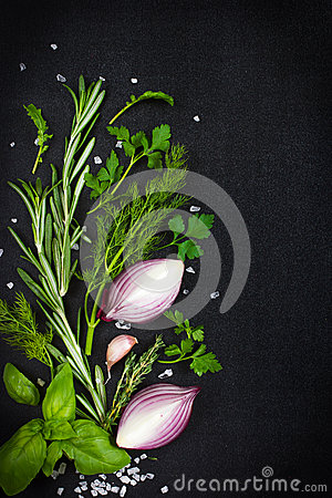 Free Black Food Background With Fresh Aromatic Herbs And Spices, Copy Stock Photography - 47770862