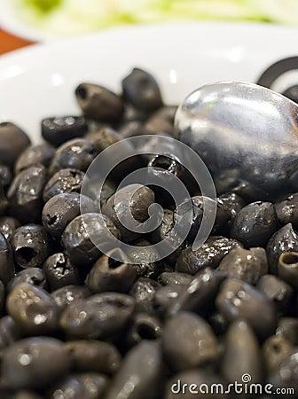 Black olives in bowl