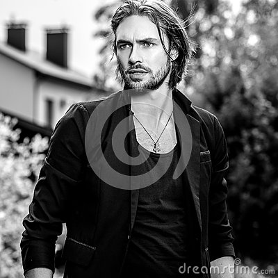 Free Black-white Outdoor Portrait Of Elegant Long Hair Handsome Man Stock Photography - 80770442