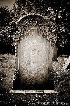 Free Blank Headstone Royalty Free Stock Photography - 32025697