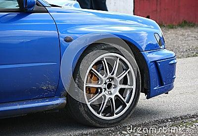Blauer Sportwagen