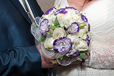 Blauer und weißer Hochzeitsblumenstrauß
