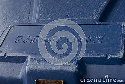 Blauer Wiederverwertungsbehälter