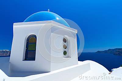 Blauwe en witte kerk in Griekenland