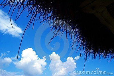 Blauwe hemel die van stro wordt gemaakt