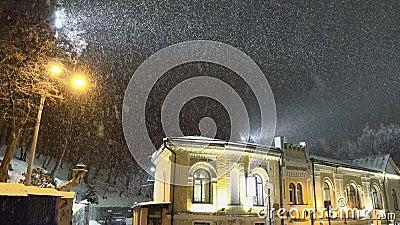 Blizzard da neve na cidade da noite filme