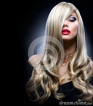 Blond dziewczyna