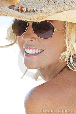 Free Blond Girl In Aviator Sunglasses & Cowboy Hat Stock Photos - 14856913