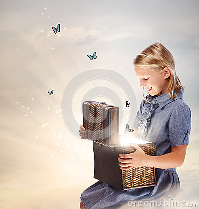 Free Blond Girl Opening A Treasure Box Stock Images - 28772974