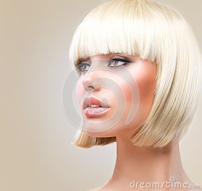 Blond hårmodellkortslutning