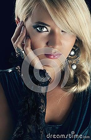 Blonde prachtige vrouwen