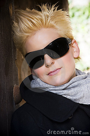 Blonde wearing big sunglasses