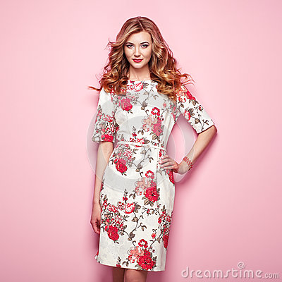 Free Blonde Young Woman In Floral Spring Summer Dress Royalty Free Stock Images - 90343789