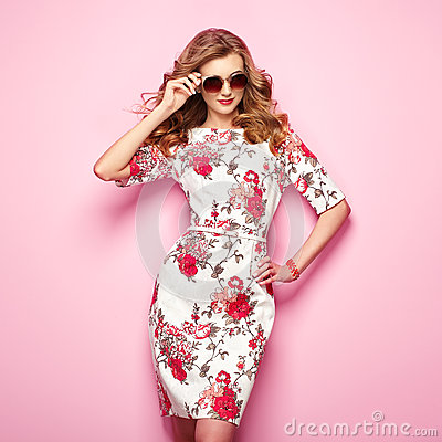 Free Blonde Young Woman In Floral Spring Summer Dress Royalty Free Stock Photos - 90343848