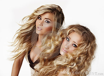 Blonde zusters