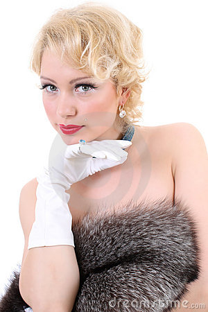 Blondie woman with fur