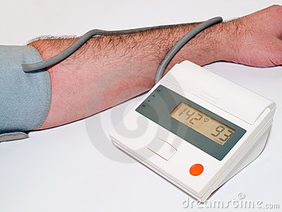 Blood pressure medical test with tonometer