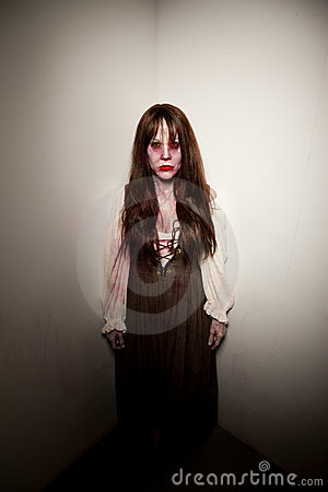 Bloody Village Witch or Zombie