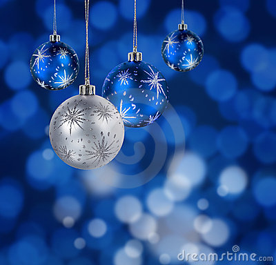Free Blue Christmas Balls Royalty Free Stock Image - 16068936
