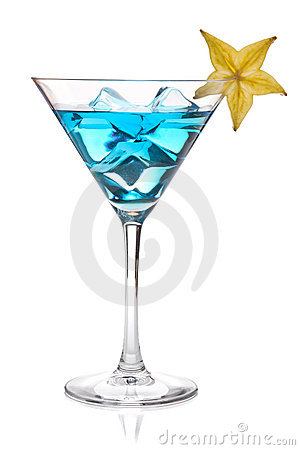 Free Blue Cocktail With Carambola In Martini Glass Royalty Free Stock Images - 17754819