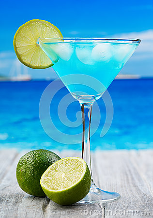 Free Blue Curacao Cocktail Royalty Free Stock Photos - 28570618