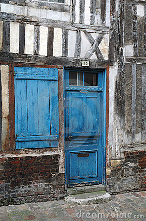 Free Blue Door And Window Royalty Free Stock Image - 3596956