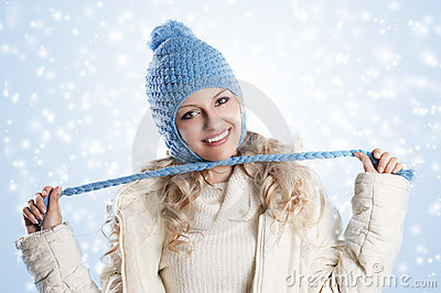 Blue hat on a blond girl, node with
