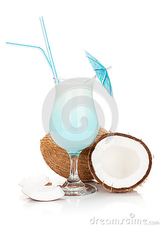 Free Blue Hawaii Cocktail And Coconuts Royalty Free Stock Image - 74608236
