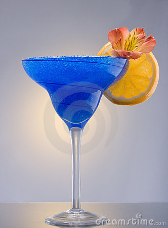 Free Blue Hawaiian Cocktail Royalty Free Stock Images - 12850479