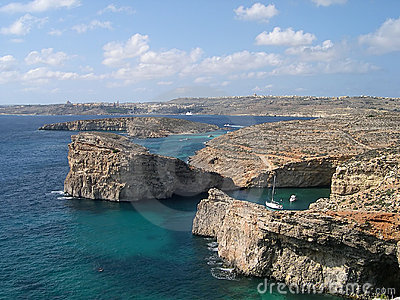 Blue lagoon at Comino island