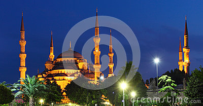 Blue Mosque at night in Istanbul