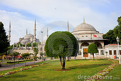 Blue Mosque And Sultan Ahmet I Mausoleum Royalty Free Stock Image - Image: 20251946