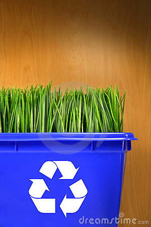 Free Blue Recycle Bin With Grass Inside Stock Image - 4827291
