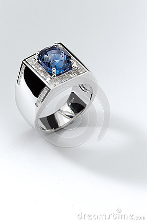 Blue ruby ring
