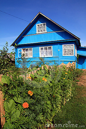 Free Blue Rural House Royalty Free Stock Image - 15737376